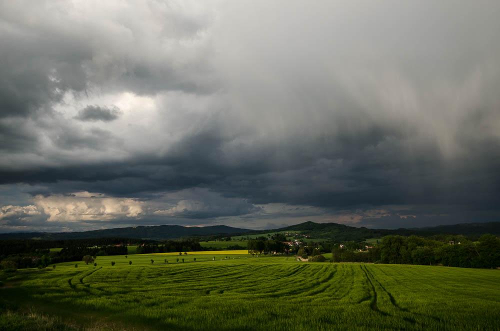 Bouřka nad Mladějovem