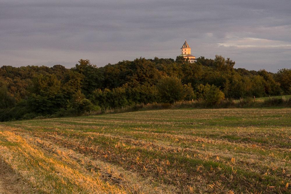 Krásné světlo nad Humprechtem a zrcadlovka v Praze...žádný problém, po ruce je Nikon 1 S1