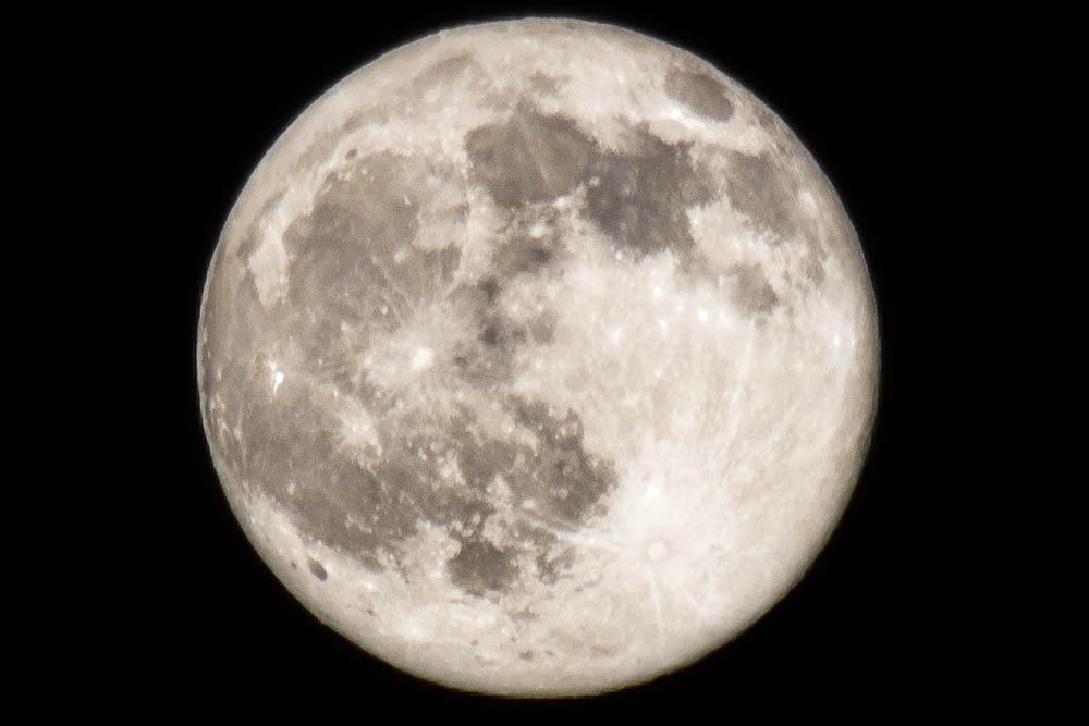 Jak na fotografování měsíce (díl 1.) – na vybavení záleží, jde to však i levně