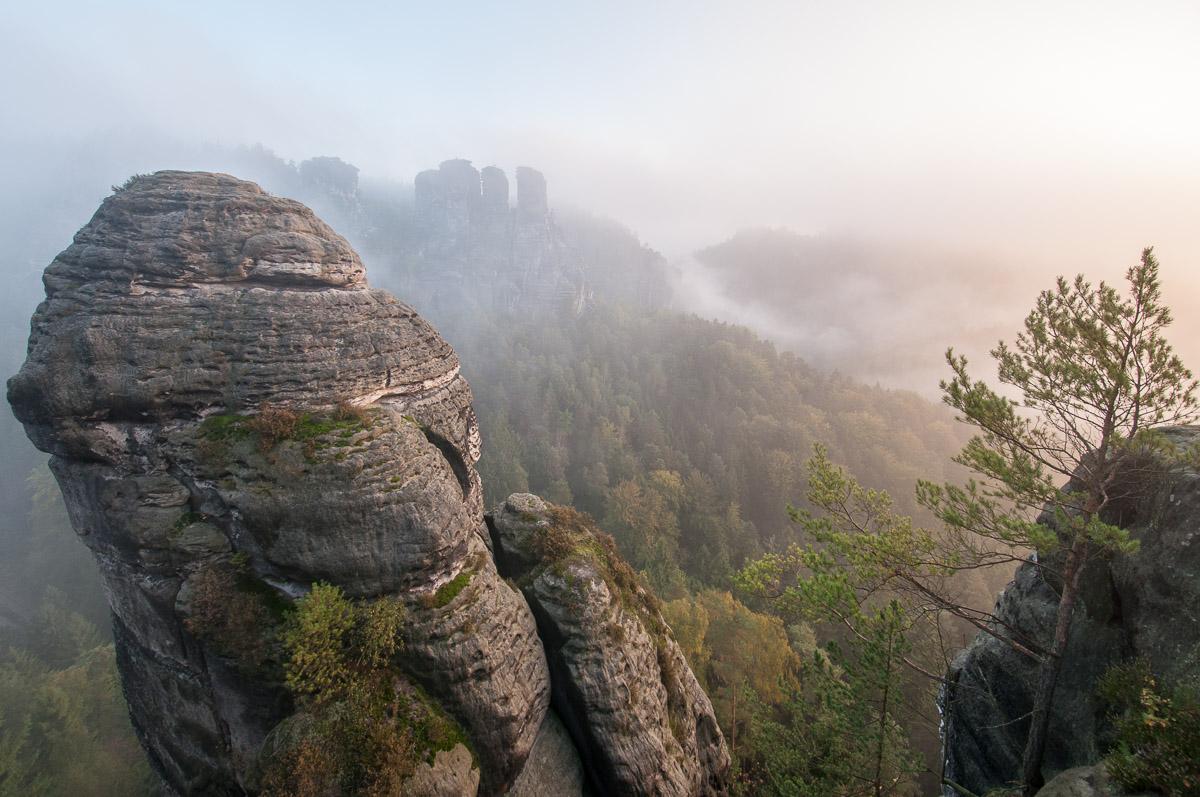 Saské Švýcarsko: skalní věž v části zvané Neurathen