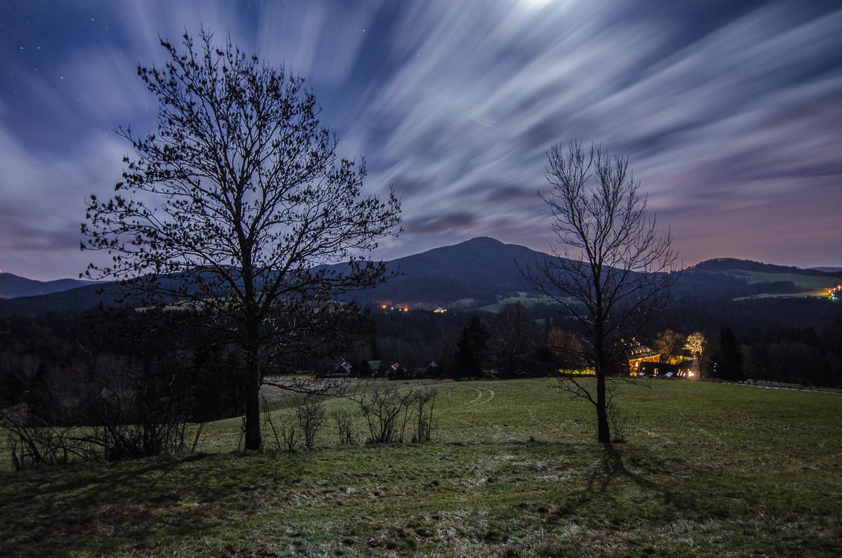 Pohled z Křížového vrchu směrem na jihovýchod