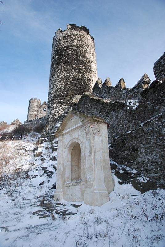 dominantní věž hradu Bezděz