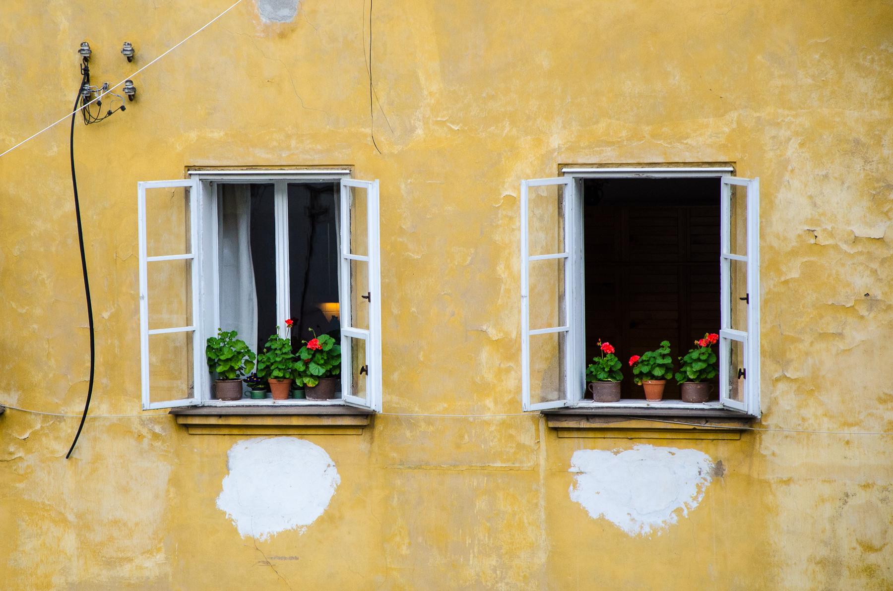 Okna - vděčné téma pro focení kdekoli ve městě i na vesnici
