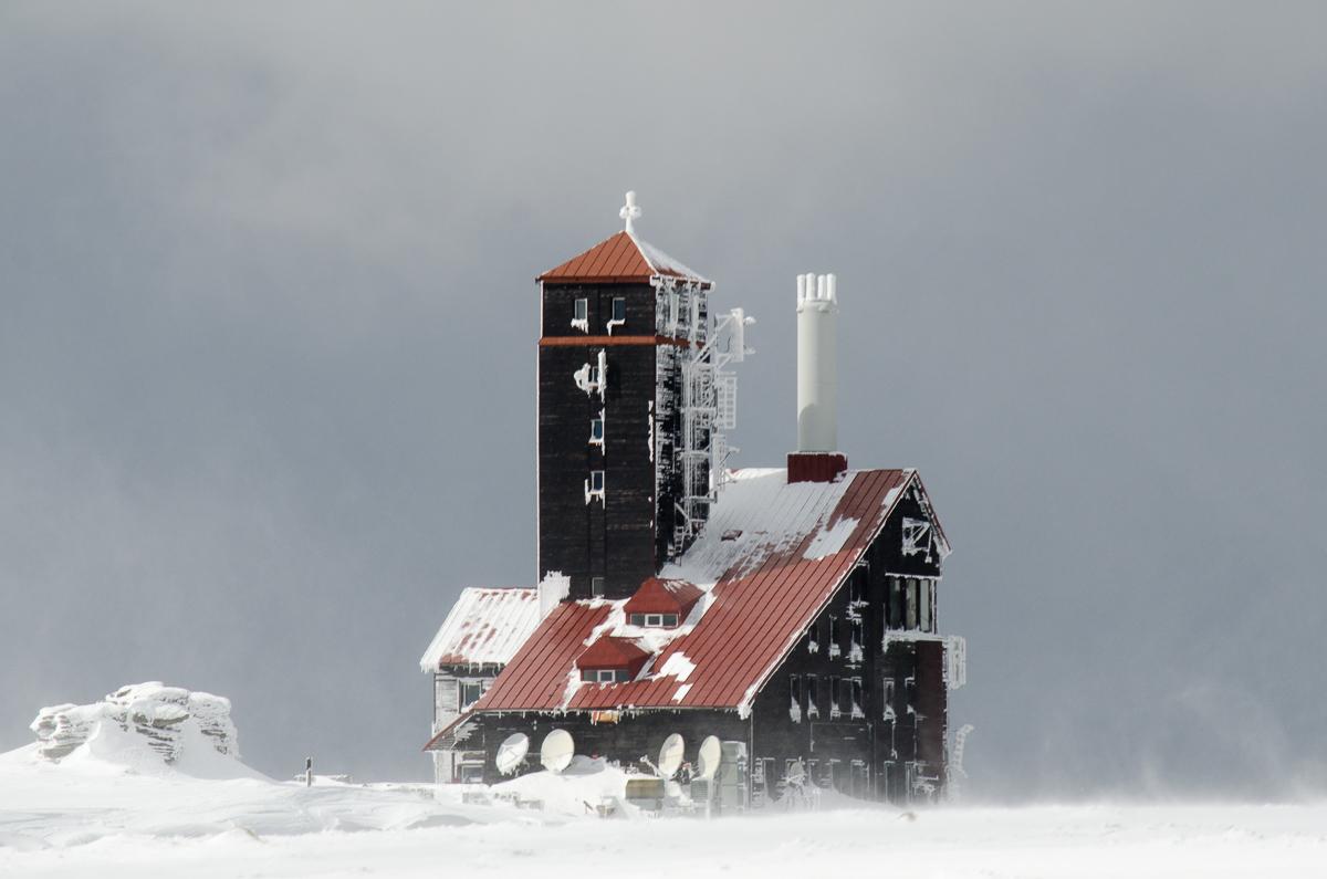 Chata na Sněžných jamách.