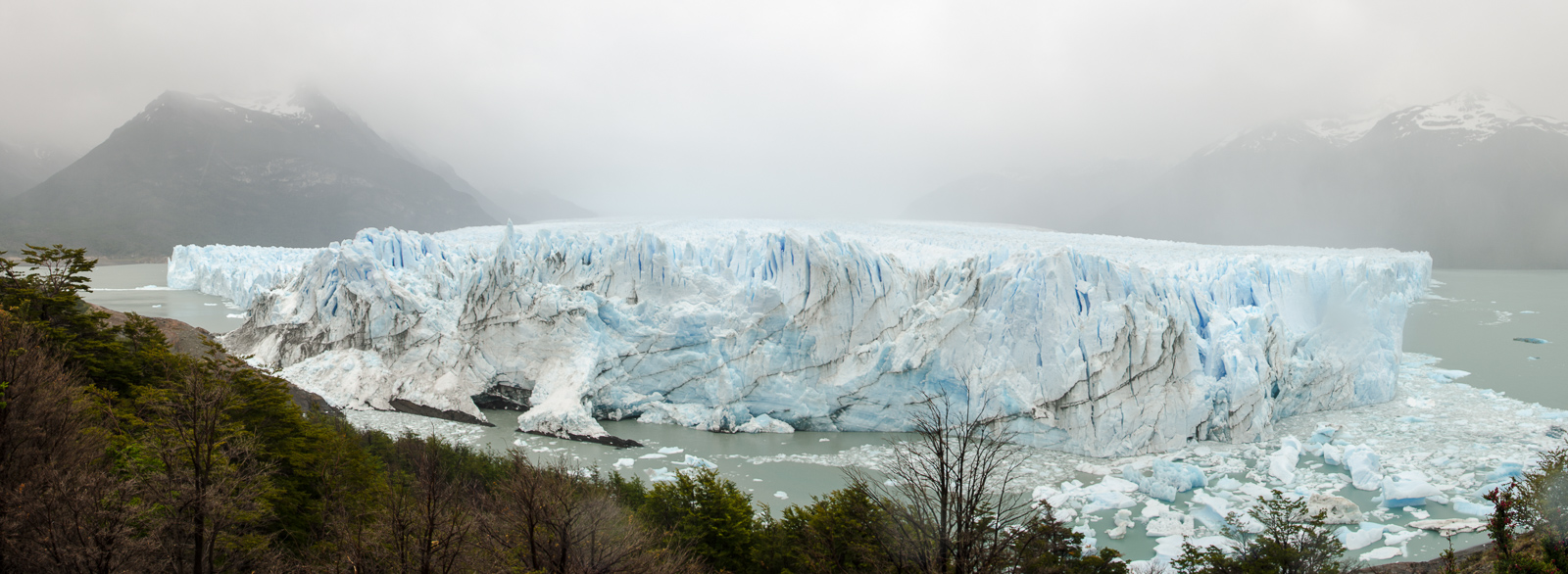 Květnové panorama – argentinský ledovec Perito Moreno