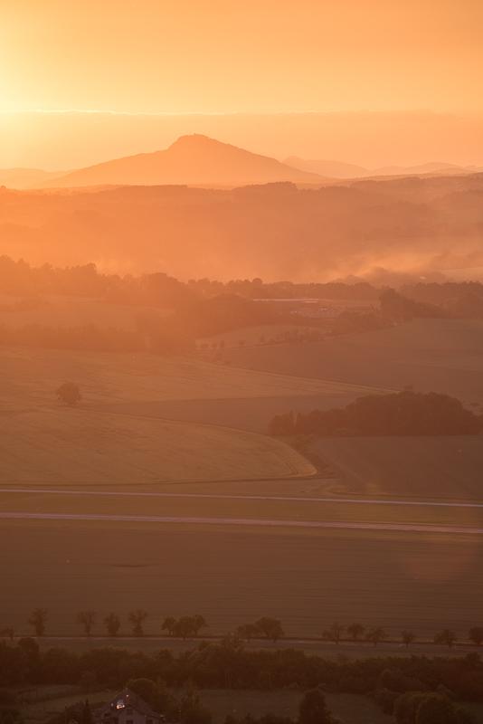 Výhled na Ralsko z Drábských světniček