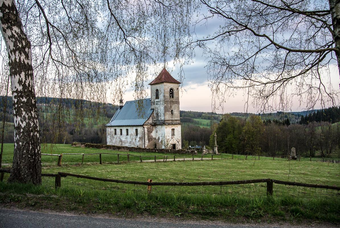 Kostelík sv. Jana Nepomuckého v Horní Orlici, která se nachází mezi Neratovem  a Bartošovicemi v údolí Divoké Orlice