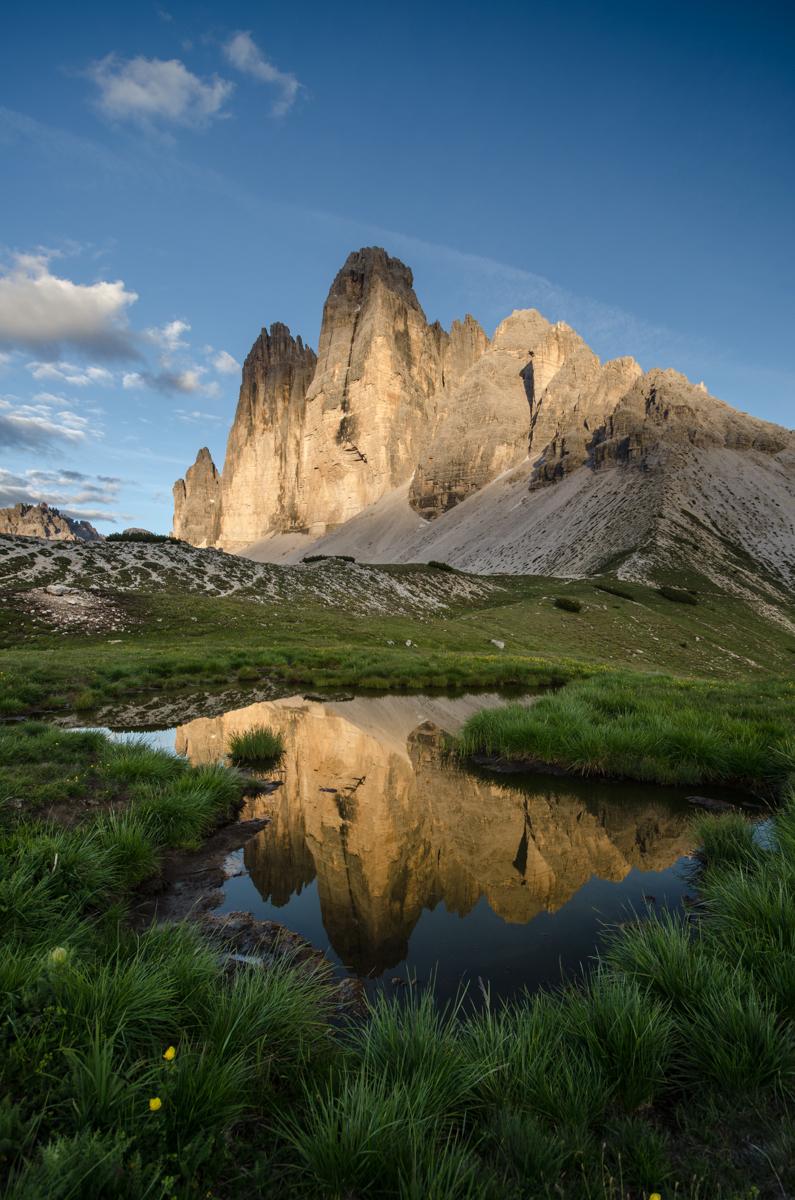 Na západ slunce jsme si vybrali jednu z malých tůňek, ve kterí se zrcadlily tisíc metrů vysoké stěny Drei Zinnen