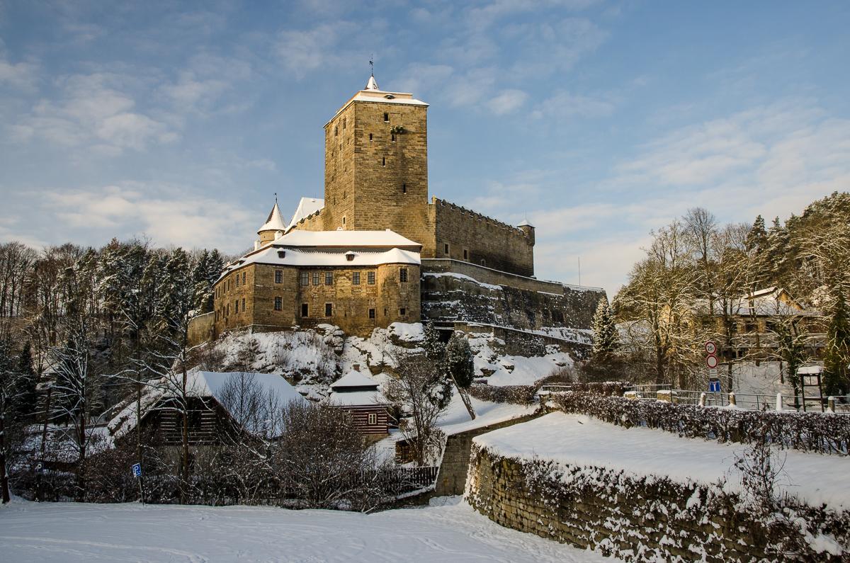 Hrad Kost v Českém ráji. Proč jsem fotil z tohoto místa v zimě? Přesně to popisuji v průvodci Fripito