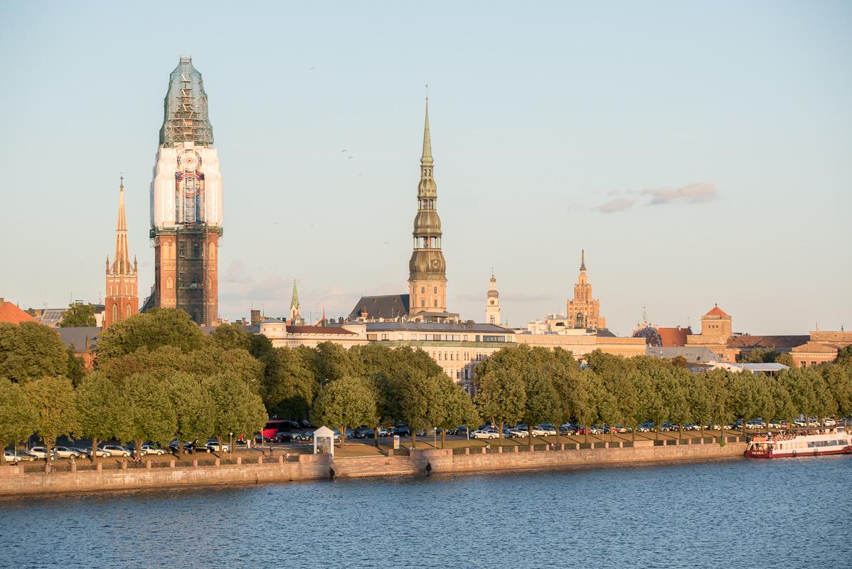 Riga: věž dómu se bohužel právě rekonstruovala a byla zakryta