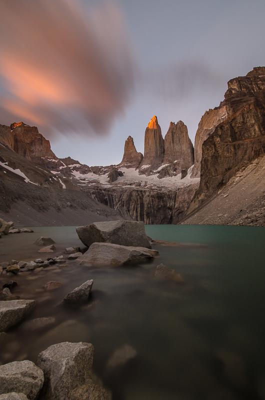 Ranní východ slunce pod Las Tres Torres - fantasitické divadlo...jen kdyby u toho tak nefoukalo...