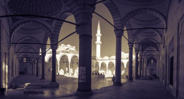 mesita-suljemana-nadherneho-mosque-Istanbul-panorama