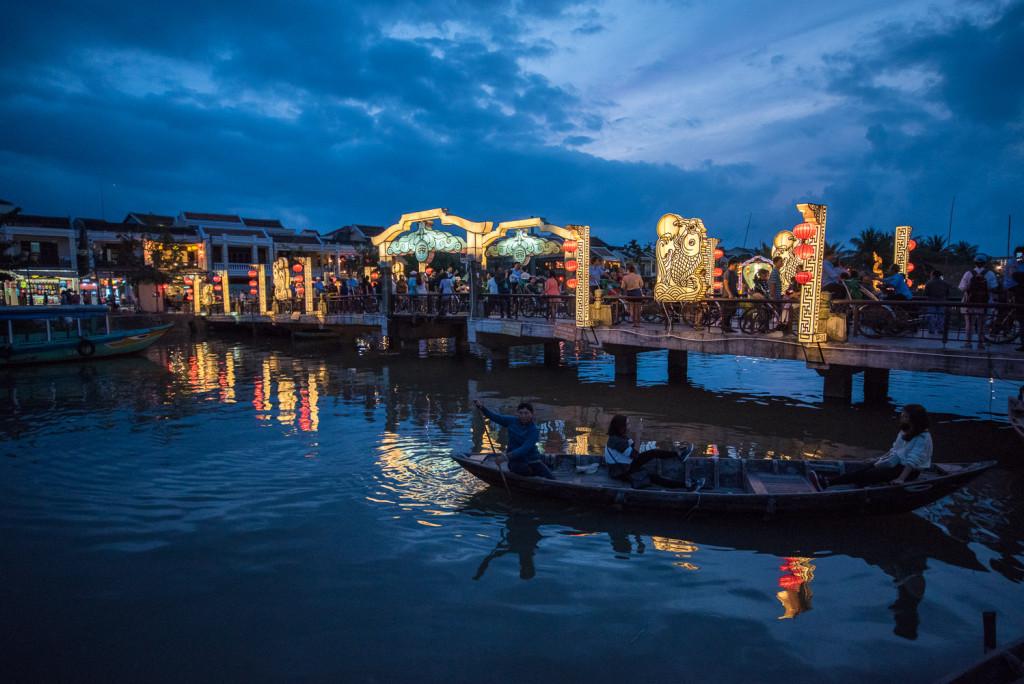 Hoi An, Vietnam, noční, noc, svíčky, lampiony, lodě