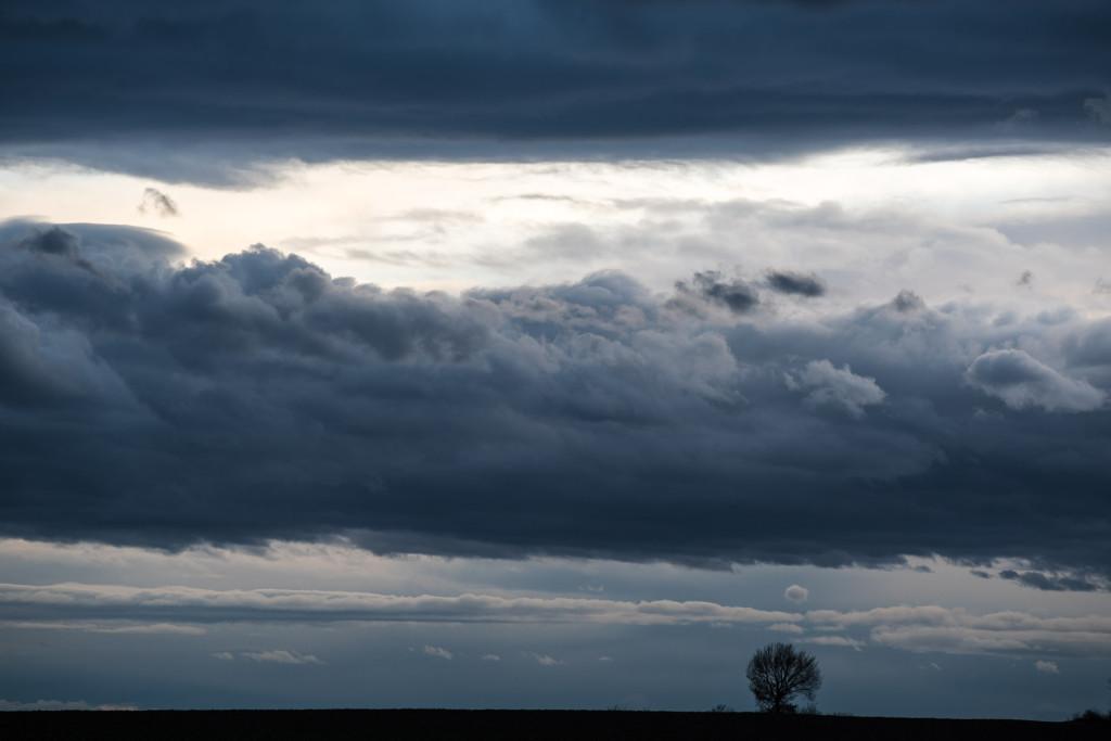 Český ráj, strom, studená fronta, dramatická mračna