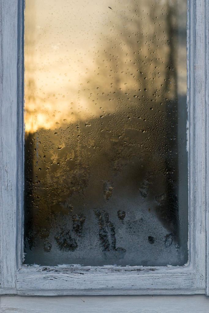 Okno, mráz, vločky, námraza, zima, makro
