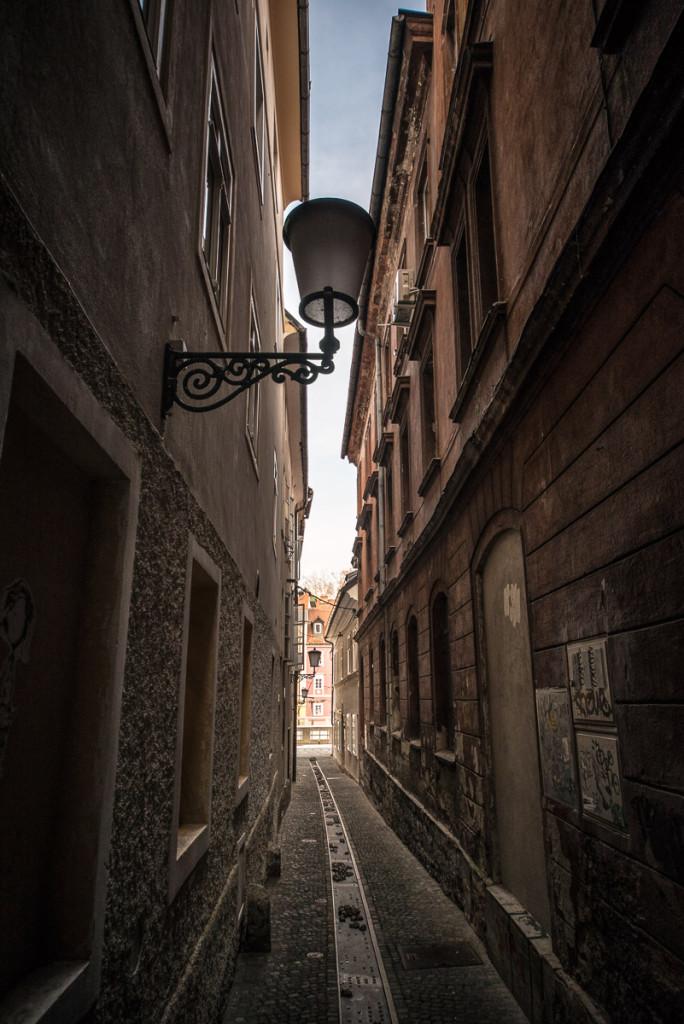 Lublaň, Ljubljana, Oldtown, město, centrum, průchod