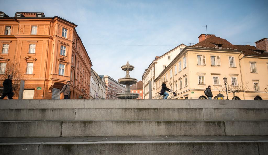 Novi trg, Lublaň, Ljubljana, Oldtown, město, centrum, kašna