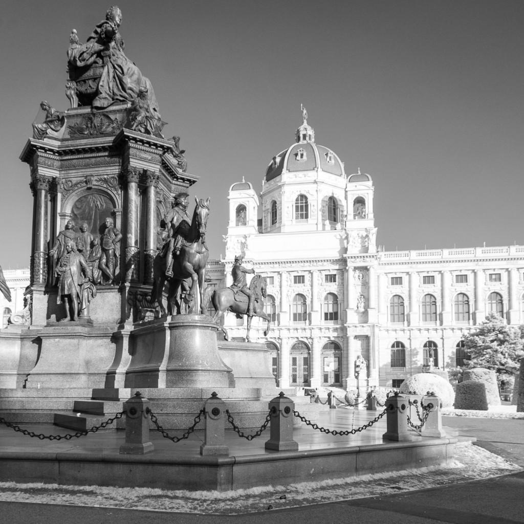 socha Marie Terezie a Naturhistorisches Museum, Vídeň