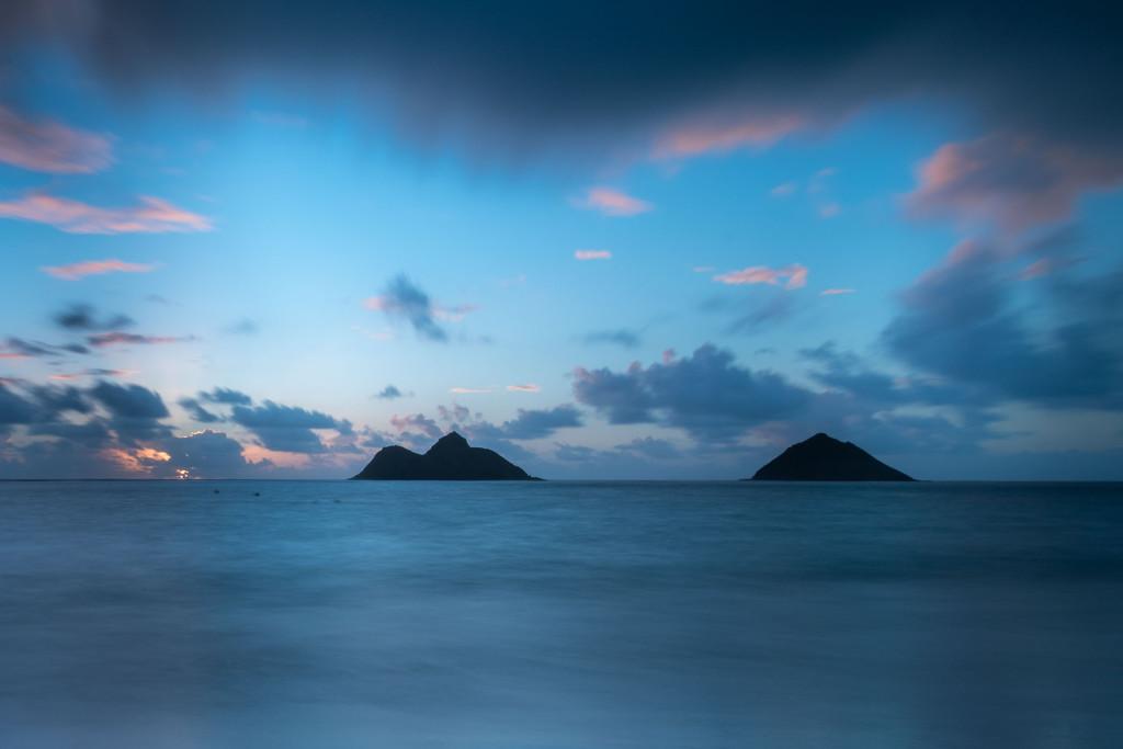 Lanikai beach, pláž, Hawaii, Oahu, Havajské ostrovy, moře, východ slunce, sunrise, ostrůvky v moři
