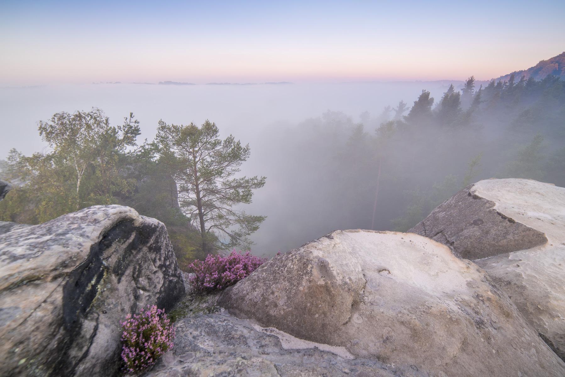 Ranní fotografování nad mlhou vZakopané vČeském ráji
