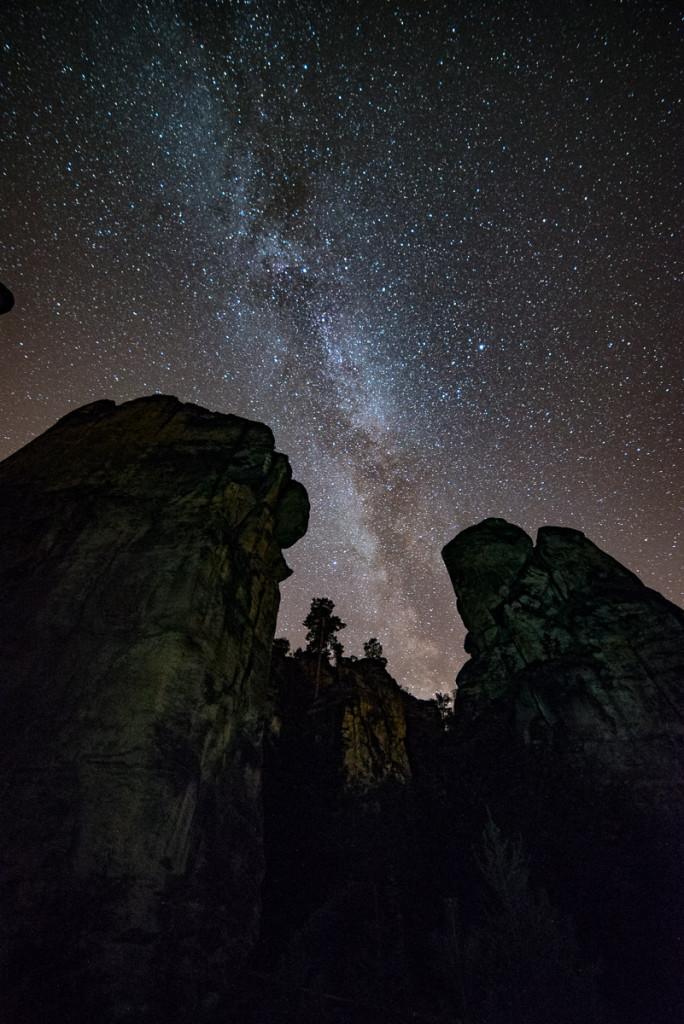 Hvězdné nebe nad Prachovskými skalami