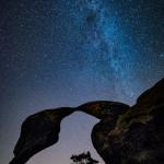 Sokolí pusinky v noci a mléčná dráha