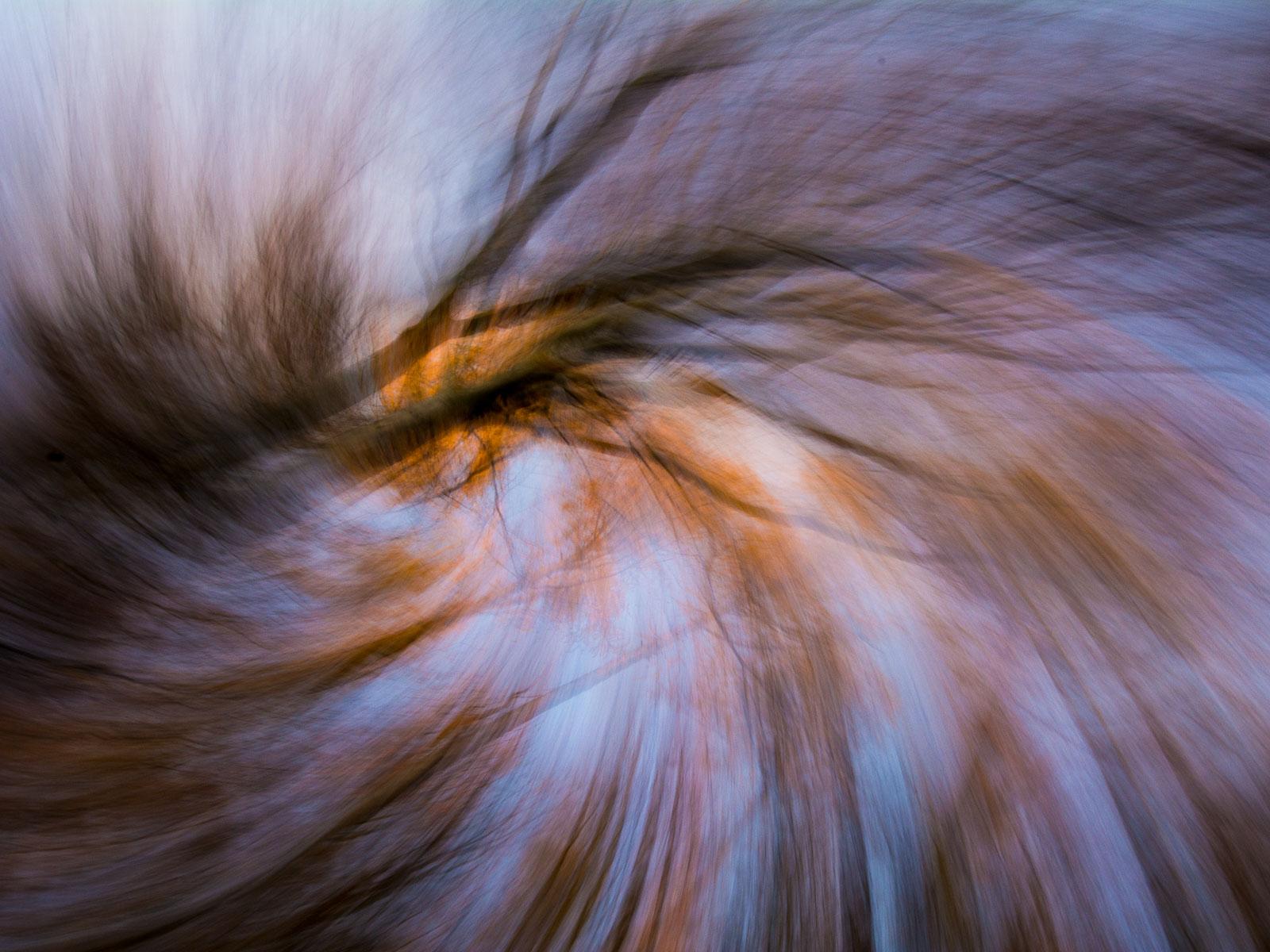 Malování světlem – pár tipů na abstraktní fotografii bez použití photoshopu