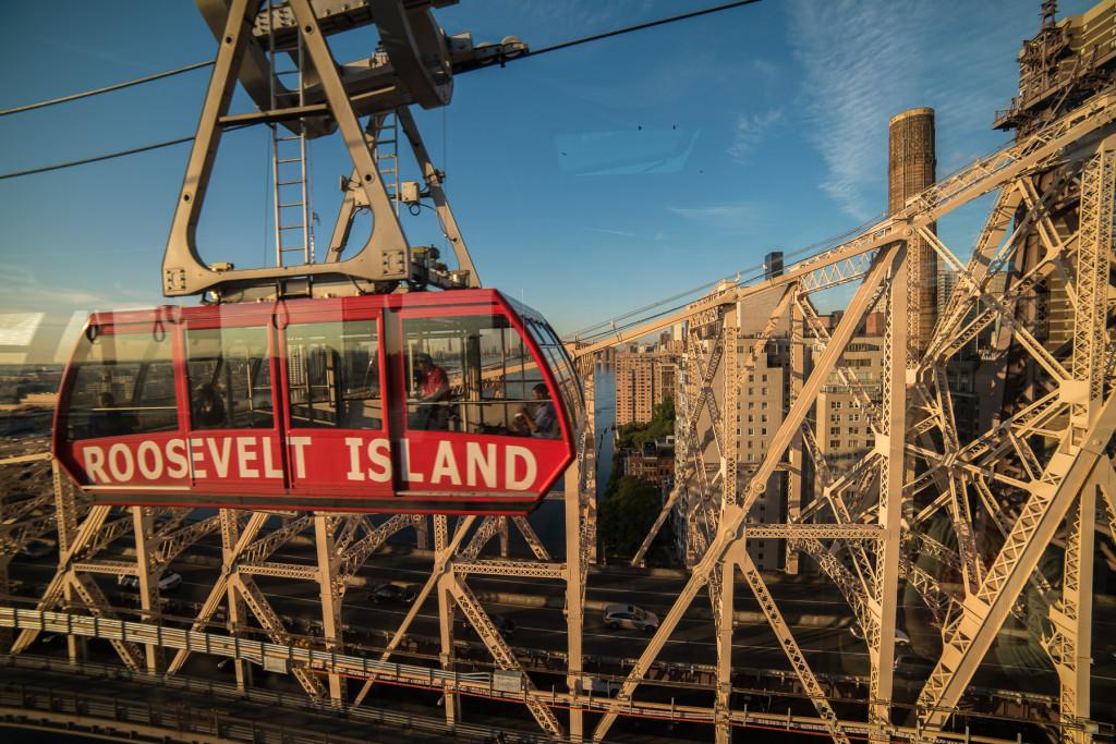 Lanovka jezdící z Manahattanu na Roosevelt Island