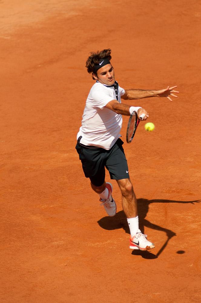 Roger Federer v akci na turnaji ATP Masters1000 v Říme