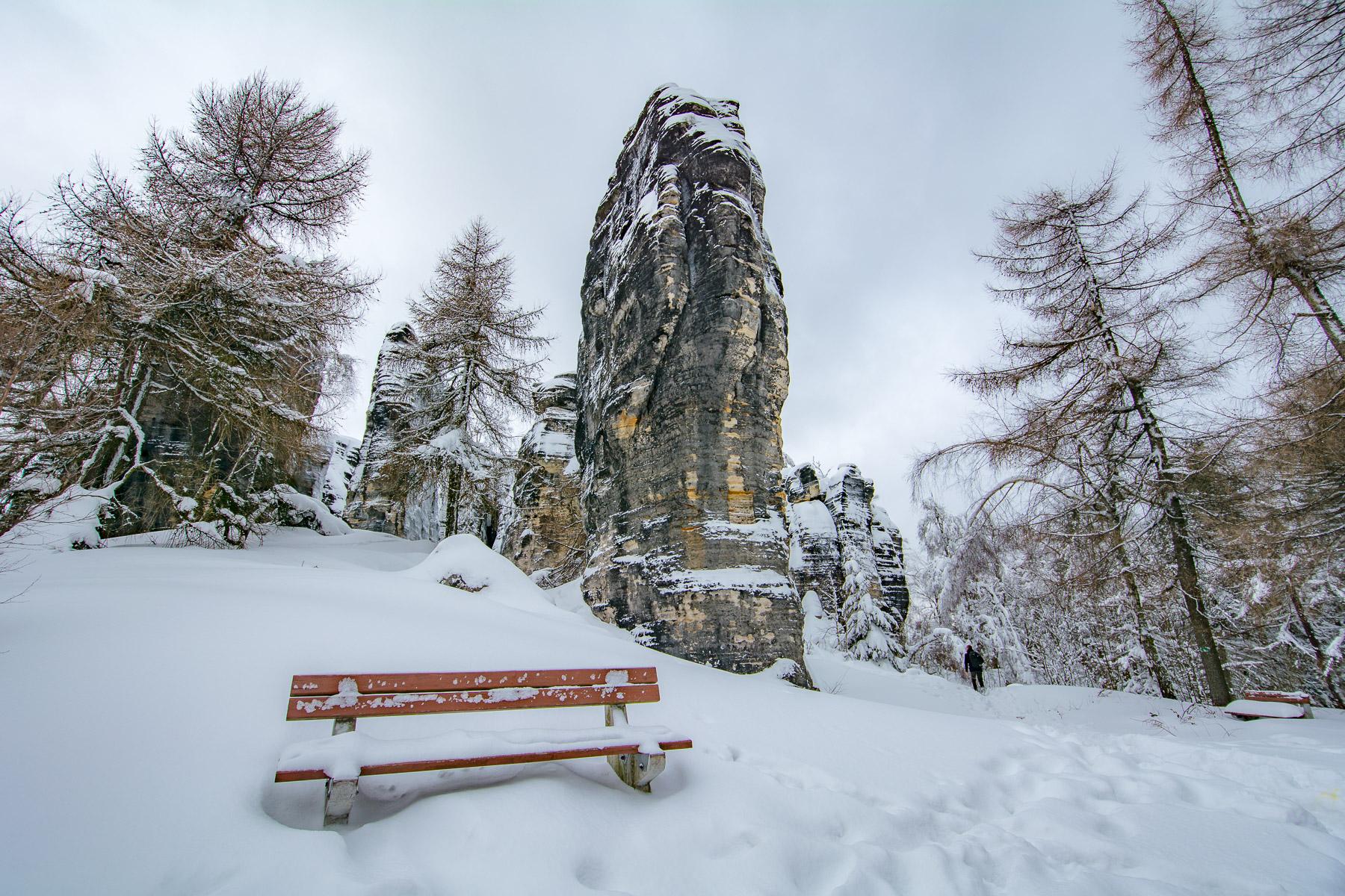 Tiské stěny pod příkrovem sněhu