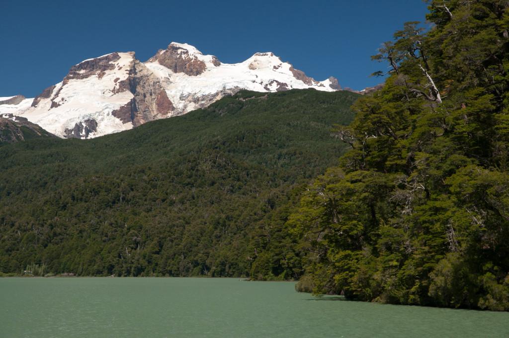 Vulkán Tronador na argentinské straně severní Patagonie