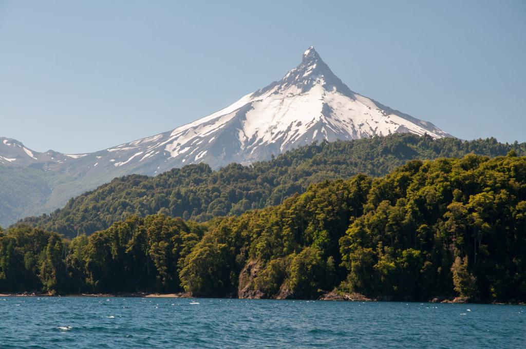 Vulkán Puntiagudo na chilské straně severní Patagonie