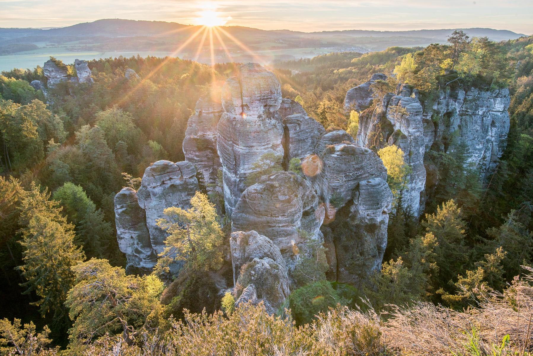 Východ slunce nad Hruboskalskem