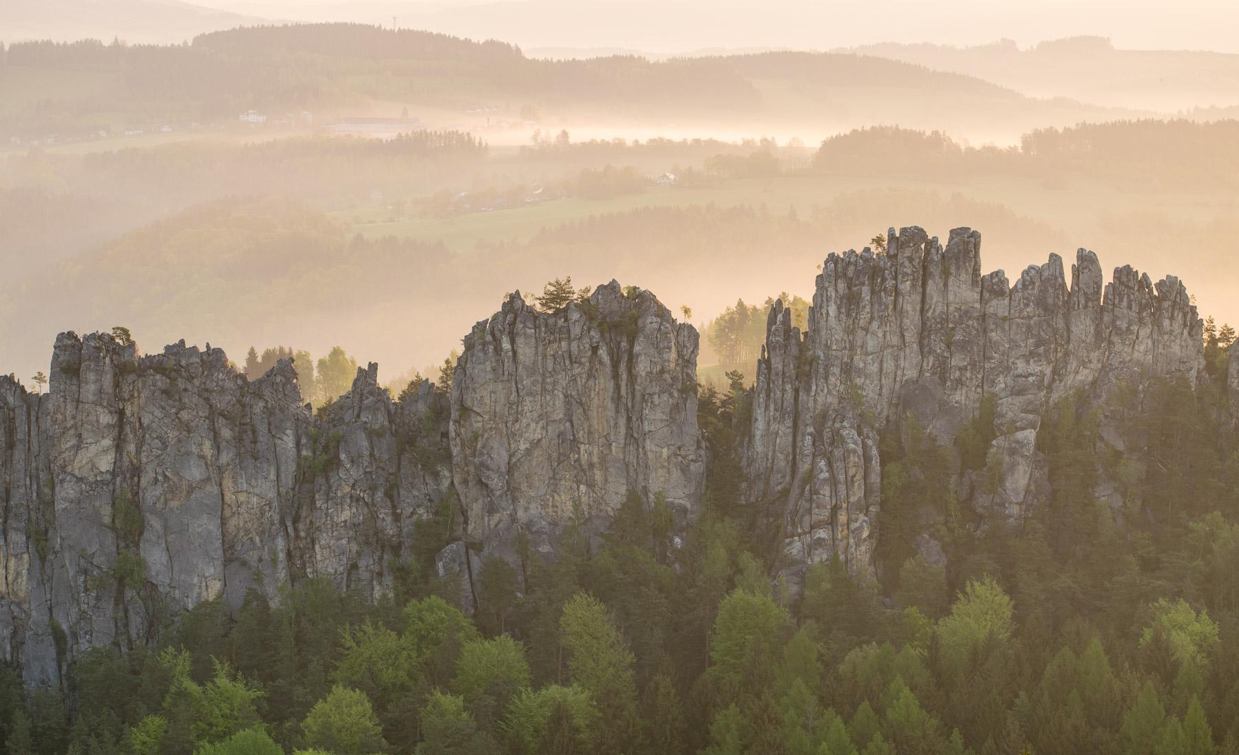 Ranní svítání nad Suchými skalami