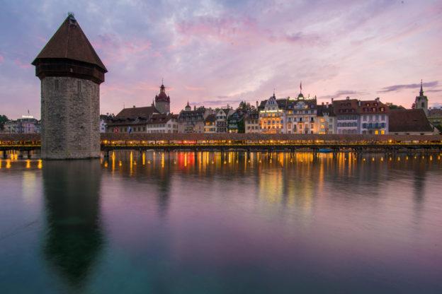 Lucern (Švýcarsko) při západu slunce