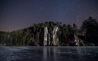 Zamrzlý noční Věžák v Českém ráji