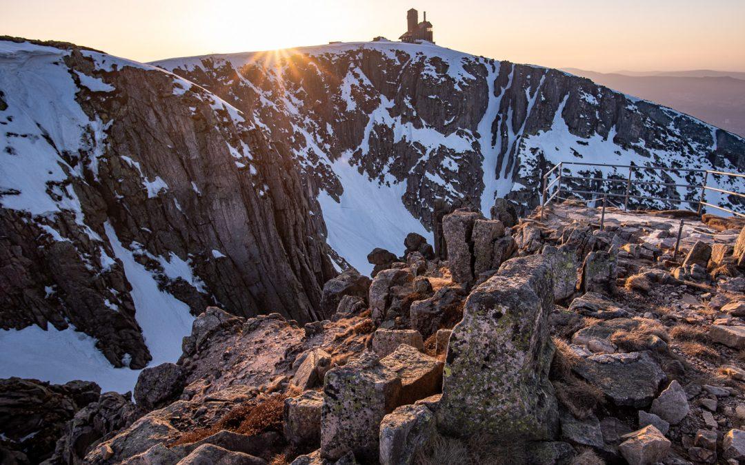Jarní Krkonoše – Sněžné jámy a západ slunce