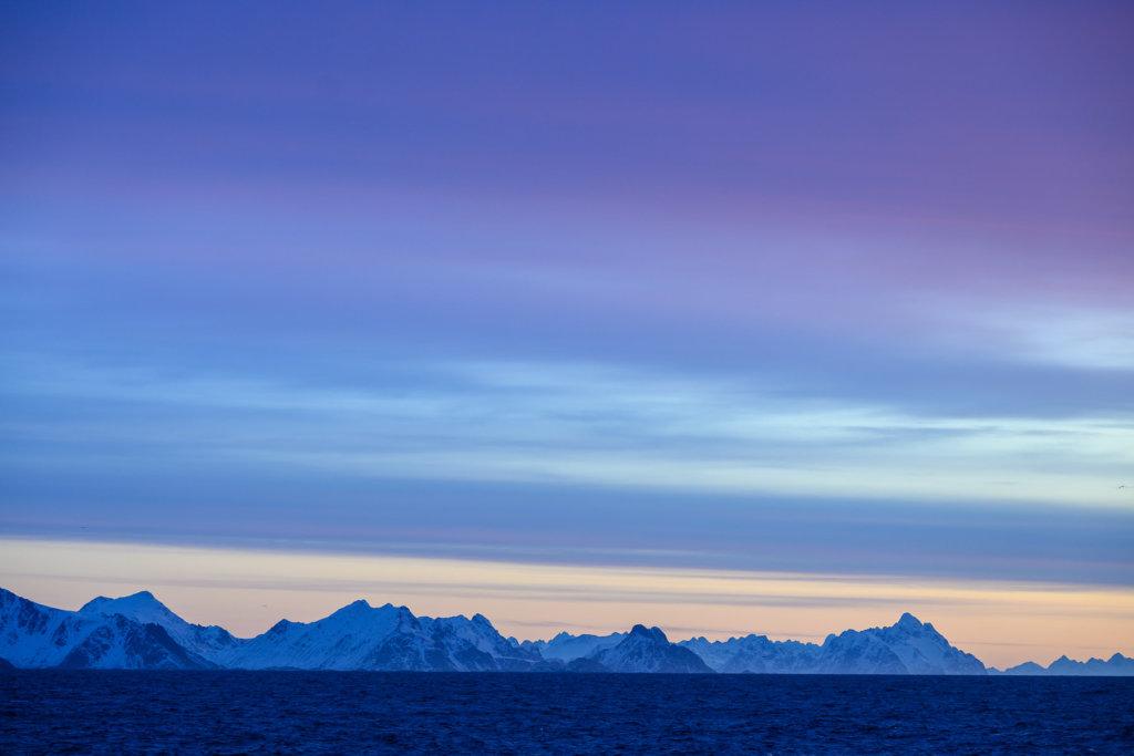Lofoty při východu slunce